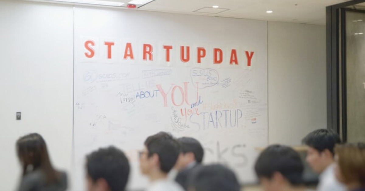 crowd startup